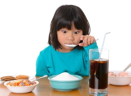 Как перестать есть сладкое и отказаться от сахара: 10 советов и 8 мифов
