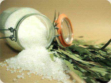 Есть ли жизнь без соли: чем заменить соль при похудении