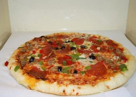 Вкуснейшие диетические рецепты: пп пицца - на выходных гуляем без угрызений совести! Бонус: таблицы калорийности обычной