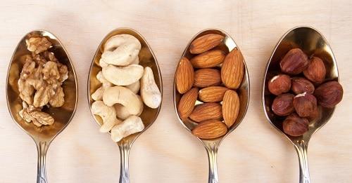 Наглядные порции и их калорийность с фото: сколько орехов можно съедать в день при похудении?