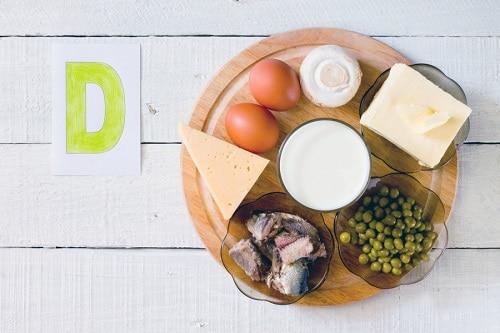 Бюджетно для всей семьи: какие витамины необходимы осенью и как правильно пить для иммунитета?