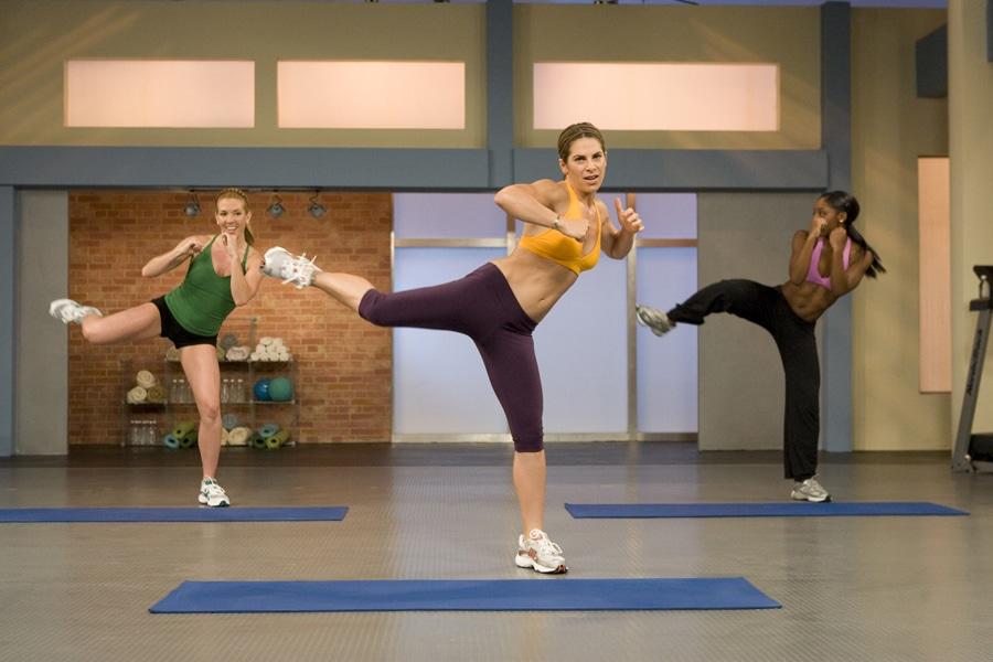 """Беспристрастный анализ тренировок Джиллиан Майклс """"Banish Fat. Boost Metabolism"""" (Сожги жир. Ускорь метаболизм)"""